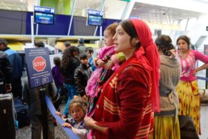 Roma returning to Romania after the 2013 decision of the French government to repatriate them.  © www.thedailybeast.com