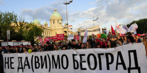 "Belgrade, 25. May 2016 - ""Ne da(vi)mo Beograd"" before the Parliament (Skupstina) in Belgrade. Image: TANJUG / TANJA VALIC / bb"