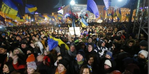 ukraine-protests-intensify-as-yanukovych-refu-L-okD8Jw